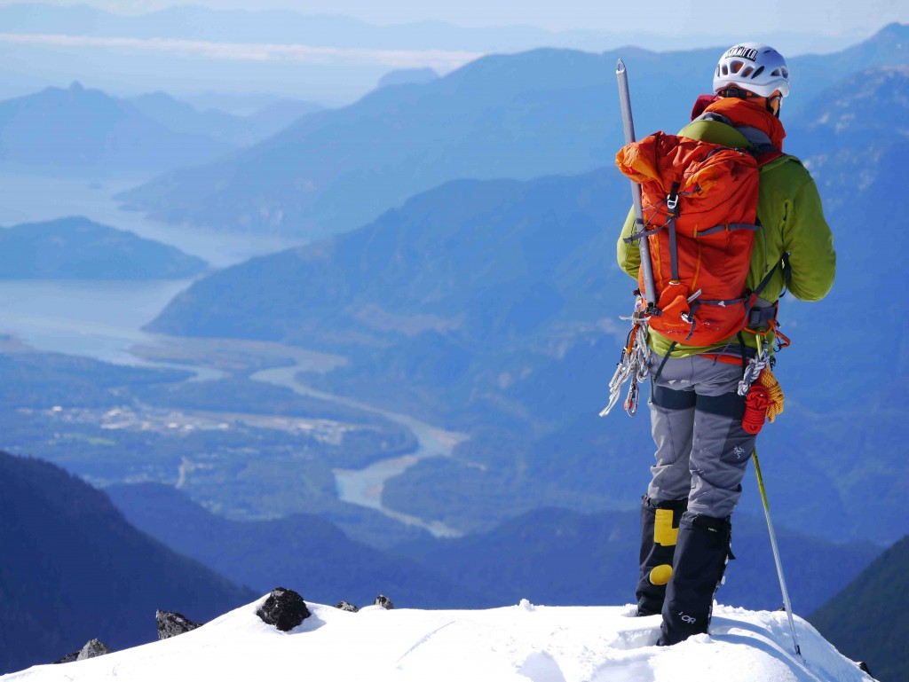 Brohme-Ridge-Mt.-Garibaldi-and-Squamish-BC-Canada-Mountain-Guides